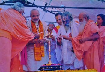Modi with Hindu religious group.