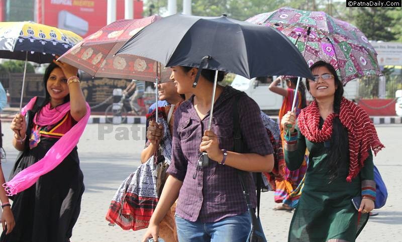 Patna'ites endure intense heat in 2015.