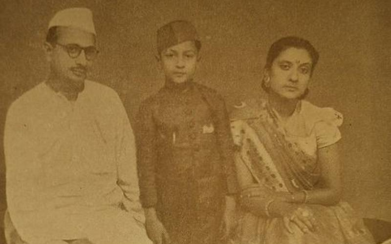 S N Sinha with his wife Kishori Sinha and son and future Governor of Nagaland and Kerala Nikhil Kumar.
