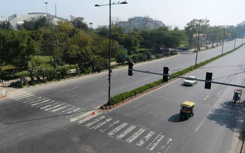 Empty roads in India due to coronavirus.