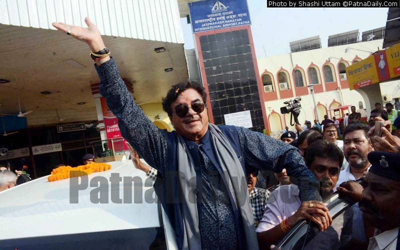 Shatrughan Sinha waves at his supporters at Patna Airport on Friday.