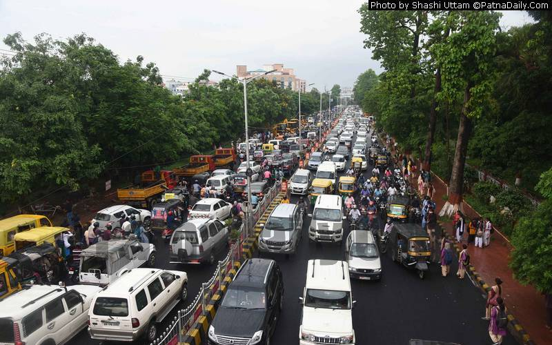 Heavy traffic jam on Bailey Road on Saturday.