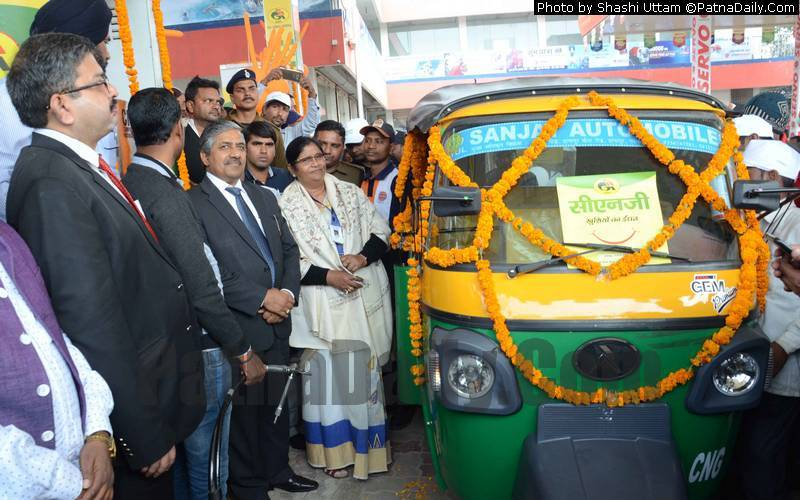 GAIL officials inaugurate opening of two CNG filling stations in Patna on Sunday.