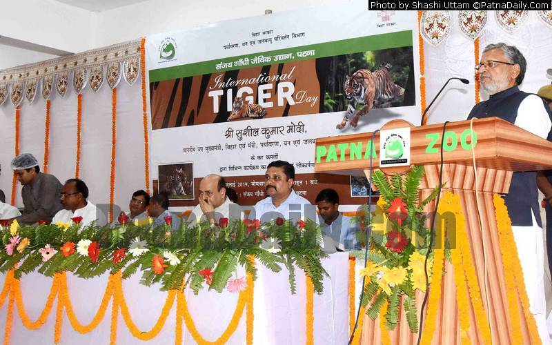 Deputy CM Sushil Modi speaking at Patna Zoo on the occasion of Tiger Day on Monday.