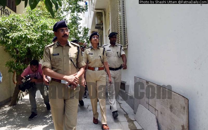 Police investigating murder-suicide case in Patna on Tuesday.