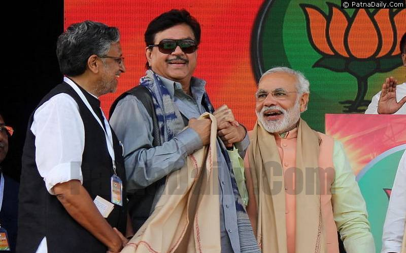 BJP leaders Sushil Kumar Modi, Shatrughan Sinha, and Narendra Modi - when things were different!