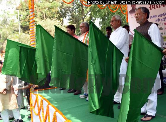 Chief Minister Nitish Kumar flagging off 'Kharif Rath' from Patna on Tuesday.