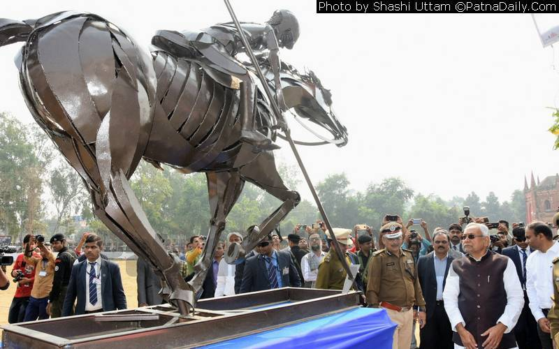 Nitish Kumar looking at the horse made of iron and steel at BMMP ground in Ara on Thursday.