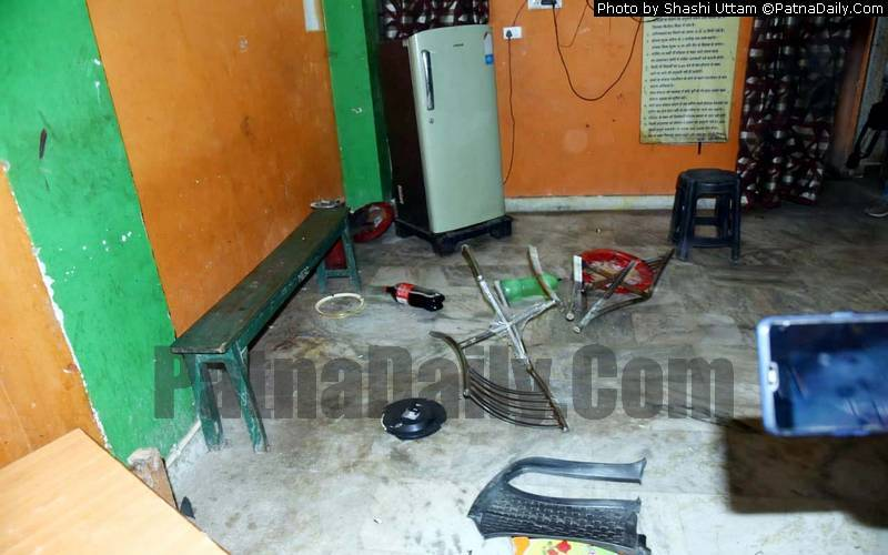 Office of a girls' hostel in Patna ransacked by JAP activists.