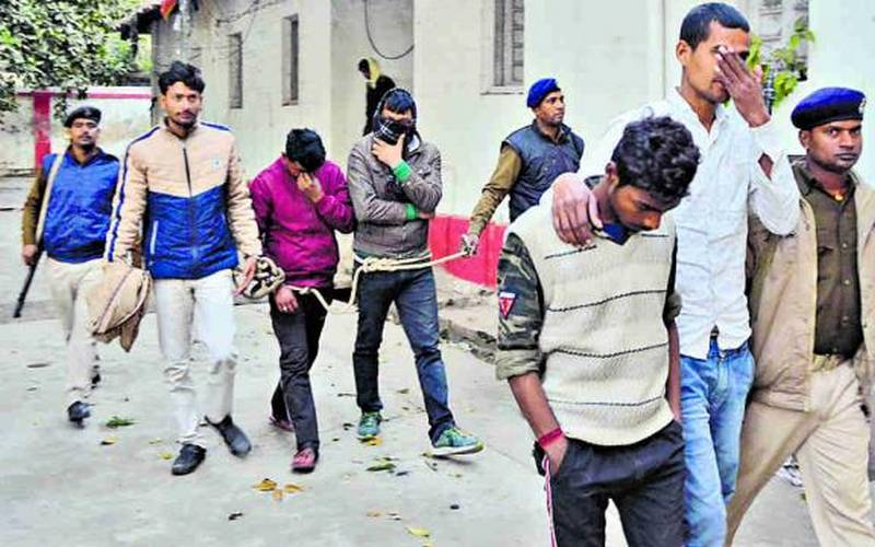 Nine highway robbers arrested from Patna district.