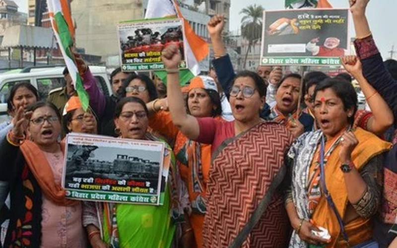 Congress women protesting in Patna on Thursday.