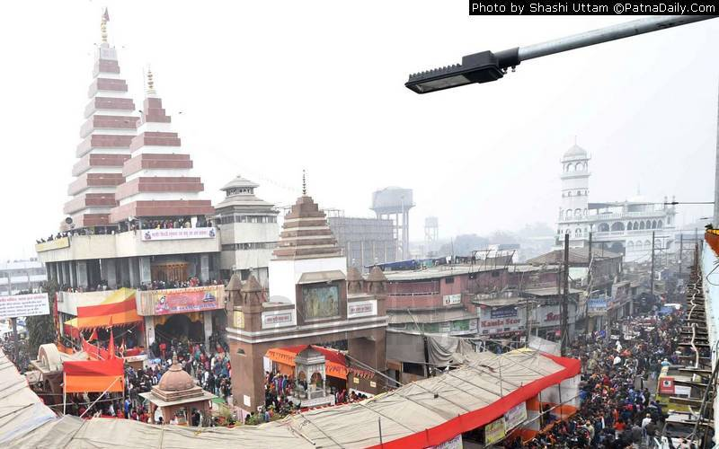 Mahavir Mandir and Jama Masjid outside Patna Junction.