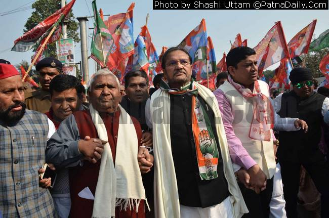 Grand Alliance rally in Patna on Thursday.