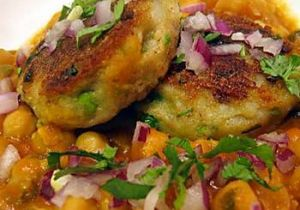 Chatpati (Aaloo Tikki Chaat)