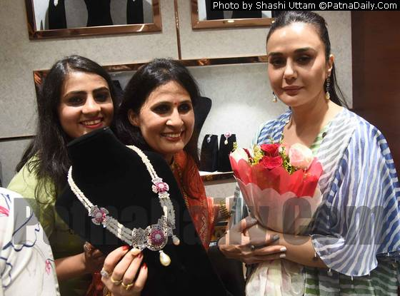 Preity Zinta with store staff.