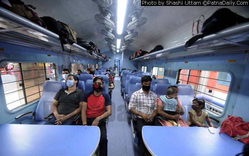 Passengers taking their seats in Patna-Howrah train after relaxation in the Covid-19 lockdown rules.